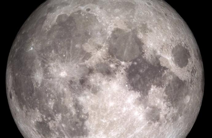 Los misterios de la luna llena, este jueves 7 de mayo on line: ¿por qué nos fascina?