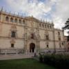 Rehabilitan las columnas que originalmente separaban Universidad y Ayuntamiento de Alcalá