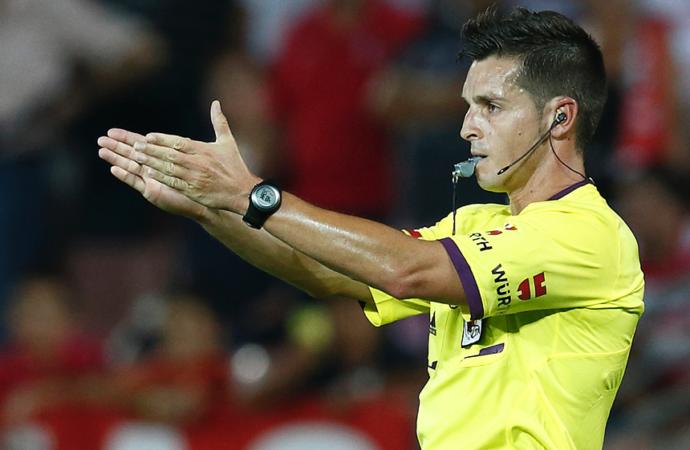 El árbitro alcalaíno Del Cerro Grande asciende a Elite UEFA