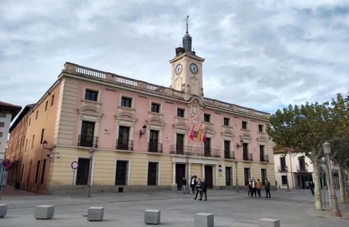 Todos los sindicatos se unen «contra las privatizaciones del Ayuntamiento de Alcalá de Henares»