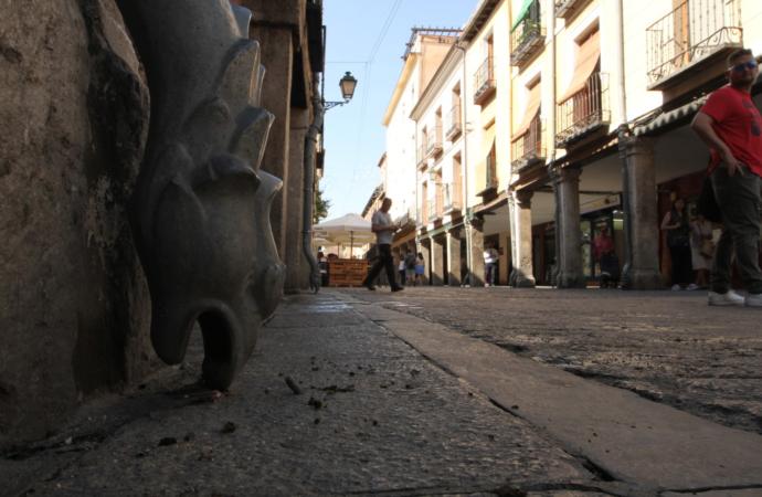 «Las chapas de los pobres»: cuando hasta para mendigar había que pedir licencia en Alcalá