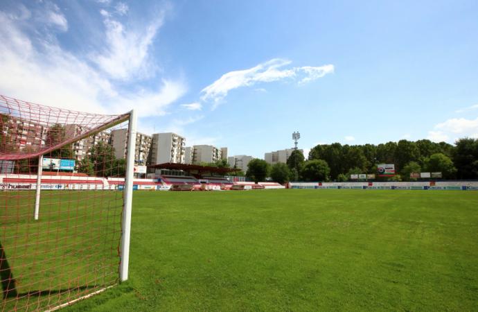 Día histórico para el fútbol de Alcalá. Primer partido en 3ª División: RSD Alcalá 2, AD Complutense 0