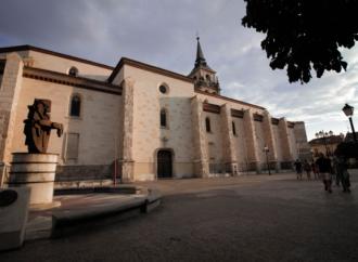 Pleno octubre / El PP de Alcalá pide mejorar la Plaza de los Santos Niños