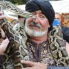 Mercado Medieval de Alcalá: El encantador de las serpientes Shiffer y Evora