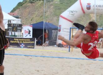 El Balonmano Playa Alcalá le mete un gol por Cáritas