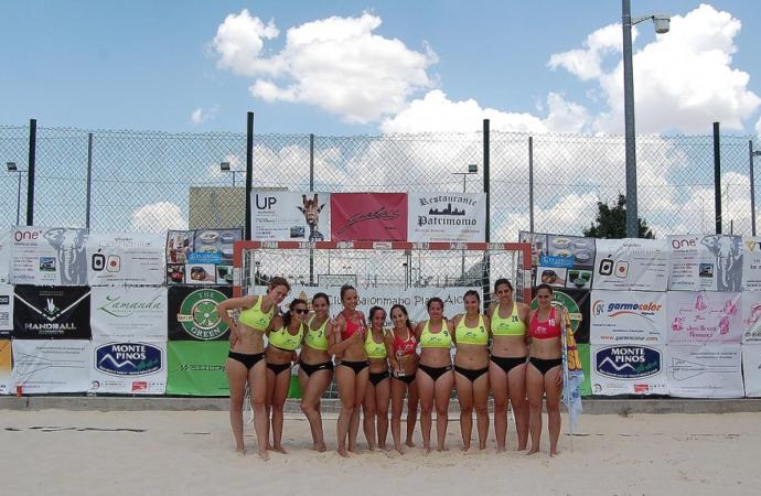 El equipo juvenil femenino del Club Balonmano Playa Alcalá, bronce en la Liga de Madrid