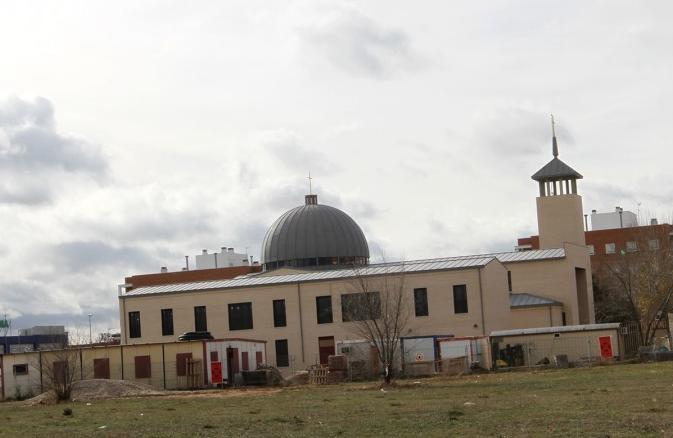 Recogida de alimentos en Alcalá a cargo de la Hermandad de Jesús Despojado de Espartales