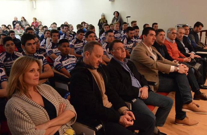 Pedro Delgado respalda el equipo amateur de Rodríguez Magro