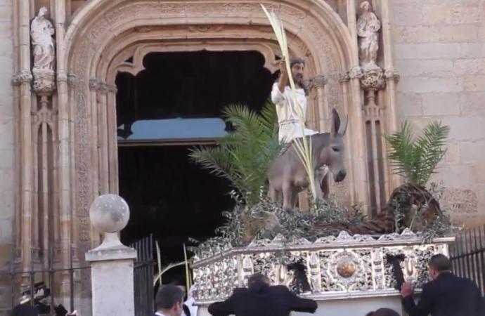 Comienza la Semana Santa de Alcalá con la entrada triunfal de Jesús en Jerusalén