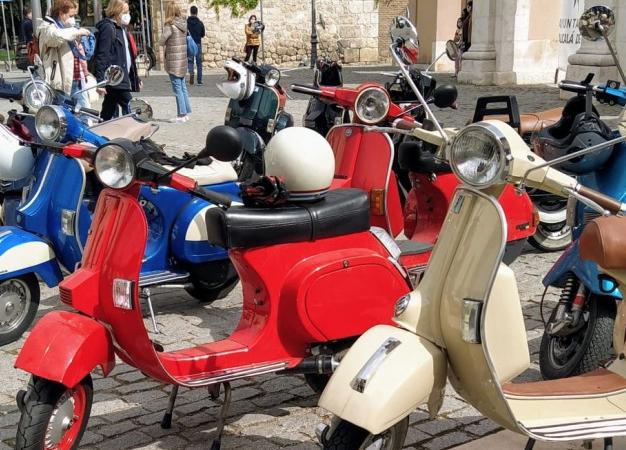 Motos: el Vespa Club Alcalá, protagonista en el 75 Aniversario de Vespa