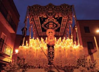 Viernes Santo: Alcalá acompaña a la Virgen de la Soledad Coronada