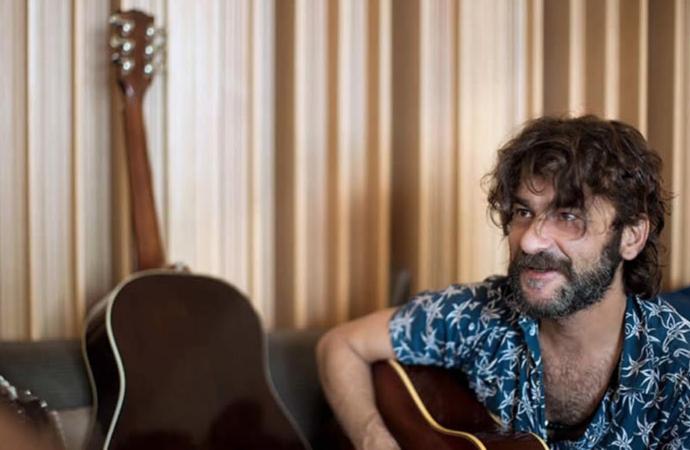 Quique González inaugura 'Alcine49' con el primer concierto de su nueva gira