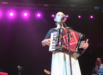 Julieta Venegas se reivindicó en Alcalá a pesar del poco público