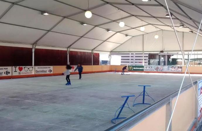 Una pista de hielo para la Navidad en Alcalá