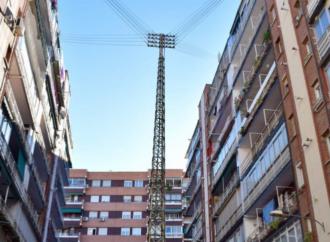 Adiós a la torre eléctrica de la calle Jovellanos en Alcalá