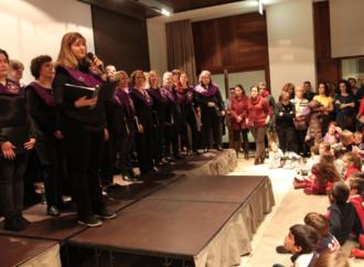 El Coro de la Universidad encandila con sus temas navideños