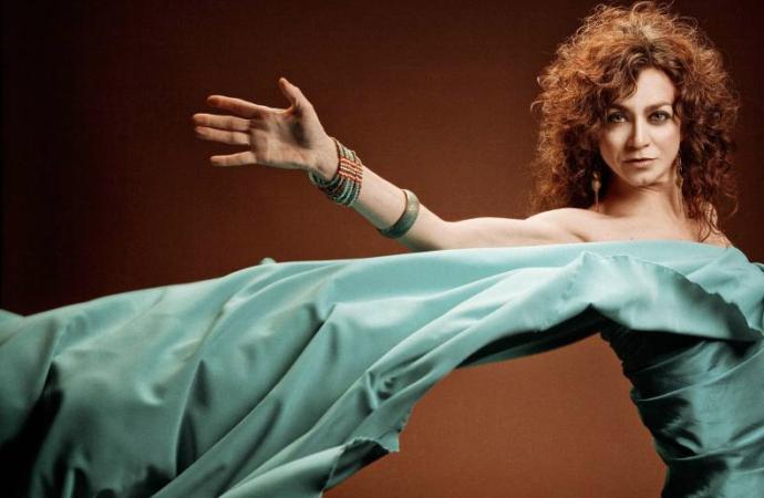 Concierto de La Mari de Chambao, Amparanoia o Carmen París en Alcalá y '100% Muheres'
