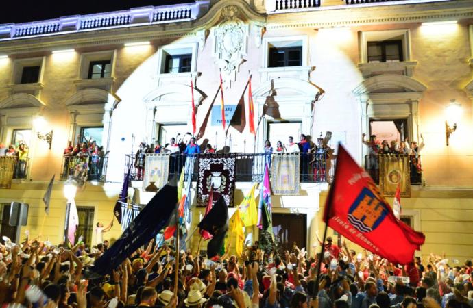 Las Peñas preparan un pregón sorpresa para arrancar las Ferias de Alcalá 2018