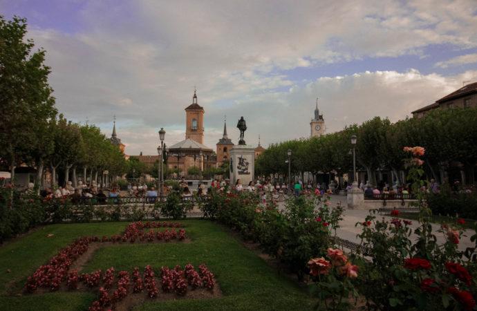 Los coches ya no pasarán por la Plaza de Cervantes y la calle Libreros: serán totalmente peatonales