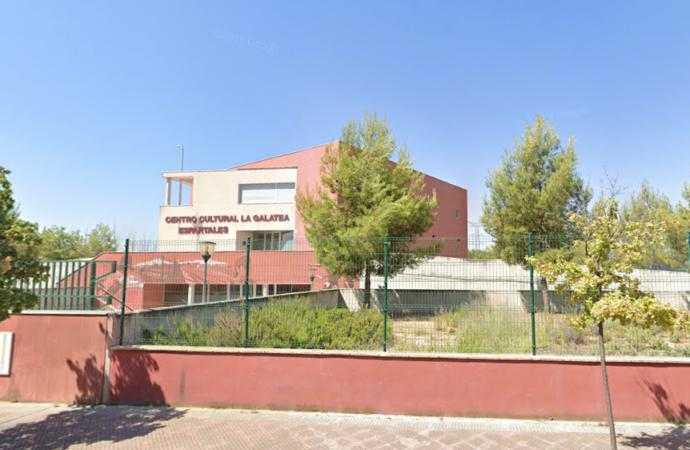«Espartales Unidos» pide la apertura de la biblioteca y el centro cultural «La Galatea» en Alcalá