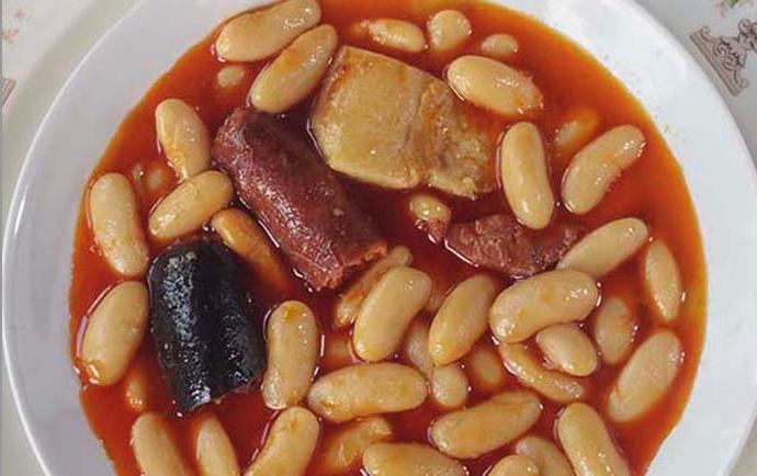 Dónde comer las mejores fabadas en Madrid, a media hora de Alcalá