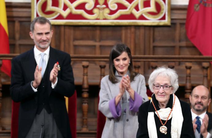 Los Reyes entregan en Alcalá el Premio Cervantes 2018 a la escritora uruguaya Ida Vitale