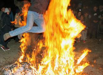 Las Hogueras de la Purísima arden un año más en las calles de Horche