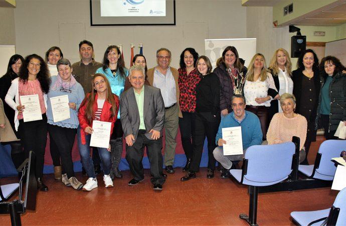 Coslada: los participantes de los cursos de Coaching y Empleo 3.0 reciben sus diplomas