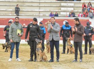 Udyco, uno de los perros policía de Torrejon, se jubila tras ocho años de servicio