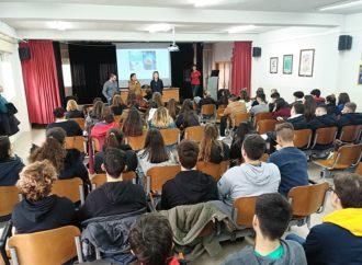 Charlas a los jóvenes de Coslada para fomentar la igualdad en el Día Internacional de la Mujer y la Niña en la Ciencia