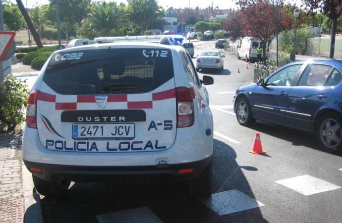 Coslada: la policía local detiene a tres personas tras sustraer ropa en el Centro de Transportes