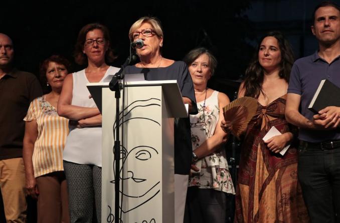 Homenaje de la familia a Lola Palenzuela, todo un referente del colectivo vecinal en Alcalá