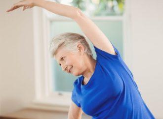 Ejercicio físico para las personas mayores durante el confinamiento para mejorar la salud física y mental