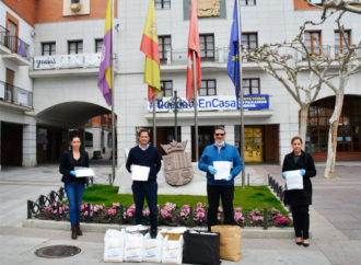 Las Hermandades de Torrejón fabrican 6000 batas y miles de mascarillas para entregar a hospitales y otras entidades