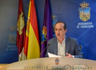 Guadalajara aplaza el pago de impuestos y tasas para ayudar a familias y autónomos de la ciudad