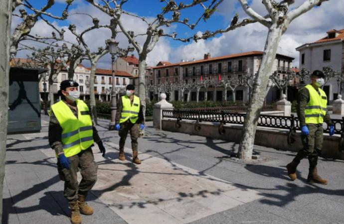 Imágenes: el trabajo de la Unidad Militar de Emergencias en una Alcalá vacía
