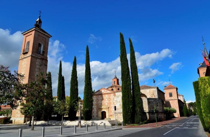La Calle Colegios de Alcalá se peatonaliza para ampliar las zonas de paseo en Alcalá de Henares