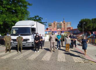 La Guardia Real dona casi 3000 kilos de alimentos para las familias necesitadas de Azuqueca