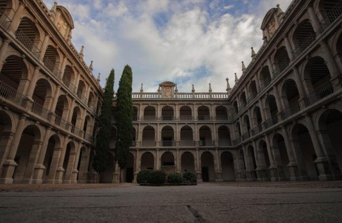 Visitas guiadas gratuitas a la Universidad de Alcalá con recorridos por San Ildefonso