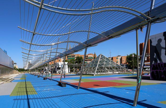 Coslada finaliza la reforma de la plaza del centro comercial La Rambla