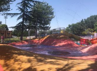 Azuqueca ha abierto el parque acuático infantil de la piscina de verano y ha habilitado una calle para nadar
