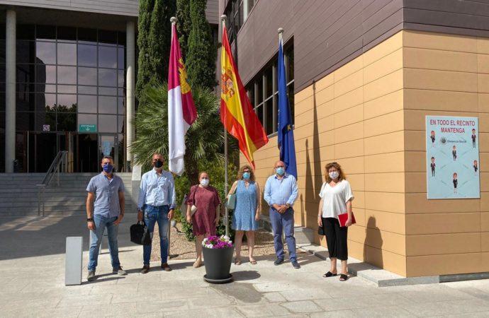 El ayuntamiento de Villanueva de la Torre solicita una parada de bus para el barrio de Juanjordana