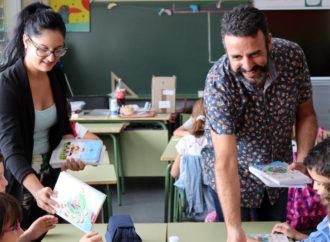 Azuqueca repartirá agendas y cuadernos entre los alumnos de los siete colegios de la localidad