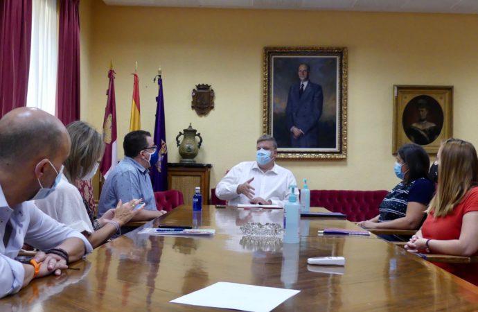 Hosteleros y comerciantes de Guadalajara trabajarán codo con codo con el Ayuntamiento para superar la crisis