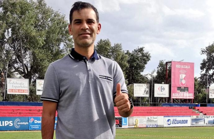 Rafa Márquez, exjugador del Barcelona, llega a la RSD Alcalá para entrenar al cadete