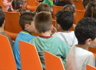 Las solicitudes de ayudas para la compra de material escolar superan a las previstas por el Ayuntamiento de Azuqueca