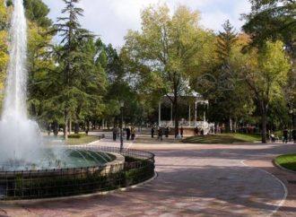 Guadalajara actuará de nuevo contra la galeruca del olmo y los mosquitos en los parques de la ciudad