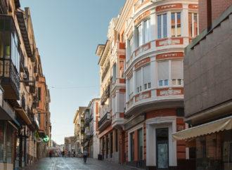 Los hosteleros de Guadalajara podrán seguir ocupando plazas de aparcamiento para sus terrazas durante un año