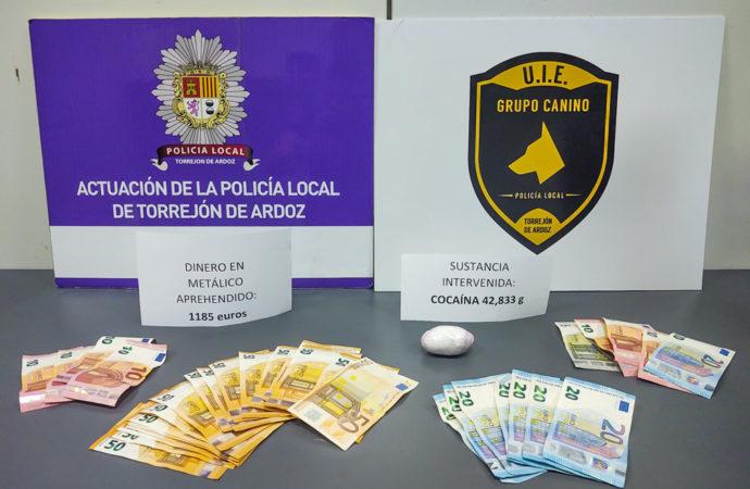 La Policía Local de Torrejón de Ardoz detiene a dos individuos por un presunto delito de tráfico de drogas