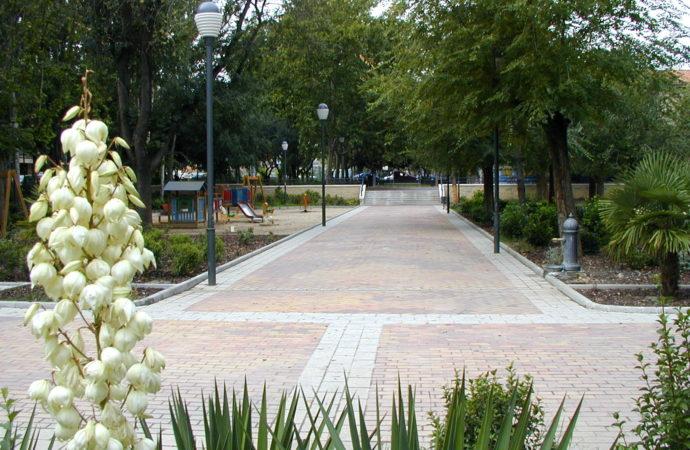 Coslada apuesta por municipalizar la jardinería de la zona del Casco y del Barrio del Puerto para mejorar el servicio y ahorrar costes